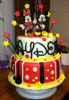Mickey and Minnie cake!