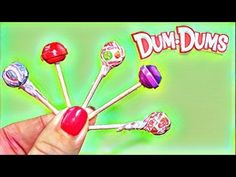 Learn how to make American Girl Doll Dum Dums. This doll craft is fun and easy to make. You can make the Doll Dum Dums and get the wrappers for the Lollipops. Casa American Girl, American Girl Food, American Girl Doll Room, American Girl Crafts, American Dolls, Doll Crafts, Diy Doll, Ag Dolls, Girl Dolls
