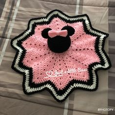 Ideas For Crochet Animals Disney Mickey Mouse Learn the basics of how to needlework (generic ter Crochet Security Blanket, Crochet Lovey, Crochet Afghans, Lovey Blanket, Baby Girl Crochet, Crochet Blanket Patterns, Cute Crochet, Crochet Motif, Baby Blanket Crochet