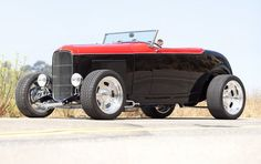 """Ford 75th Anniversary """"Deuce"""" Roadster"""