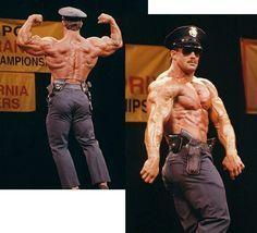 Hot Cops, Hot Hunks, Dumbbell Workout, Men In Uniform, Muscular Men, Baby Daddy, Physique, Fitness Inspiration, Beautiful Men