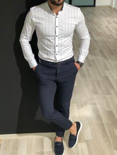 Collection : Spring / summer : Capstone White Striped Shirt Color code : WhiteShirt material : Cotton , ElestanAvailable Size : S-M-L-XL-XXLMachine washable : Yes Fitting : Slim fit Formal Dresses For Men, Formal Men Outfit, Formal Shirts For Men, Casual Wear For Men, Stylish Mens Outfits, Casual Clothes For Men, Formal Wear For Men, Indian Men Fashion, Men's Fashion