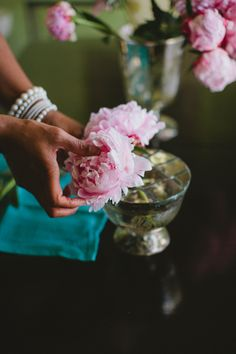 DIY - PEONY CENTERPIECE - The Bride's Cafe repined by Every Bloomin' Thing #iowacity