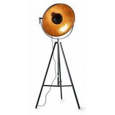 De meest populaire vloerlamp van dit moment. De vloerlamp Golden Sun, gezien in RTL Woonmagazine.