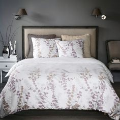 Elegant, soft and silky percale dotted with plant prints. Quality & Value for the quality of its densely woven fabric (70 threads/cm²). The higher the thread count, the higher the quality of the weave.- Envelope-style opening.- Washable at 60°.The Oeko-Tex® label guarantees that the items tested and certified do not contain any harmful substances that could be detrimental to health.Size to order:140 x 200 cm (Single)200 x 200 cm (Double)240 x 220 cm (King)260 x 240 cm (Super King)Take a look…