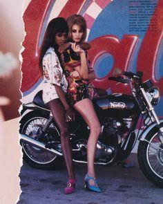 Supermodels #NaomiCampbell and #ChristyTurlington by #EllenvonUnwerth for #Vogue May 1991