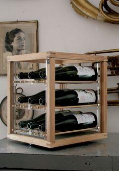 portabottiglie girevole in legno di rovere e plexy / #design #bottel rack #cucina #kitchen #wood #interior