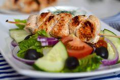 Tasty Life: Grilovaný krůtí špíz se salátem a tzatziky