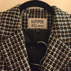 Petite Kasper tweed Suite Beautiful Kasper tweed suite. Includes jacket and skirt. Size 8p. Kasper Skirts Skirt Sets