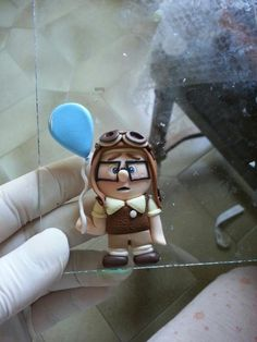 Up movie character - polimer clay Cute Polymer Clay, Polymer Clay Dolls, Polymer Clay Projects, Polymer Clay Jewelry, Clay Crafts, Fimo Disney, Carl Y Ellie, Biscuit, Up Pixar