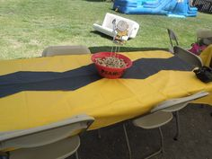 charlie brown table cover and peanuts  centerpiece
