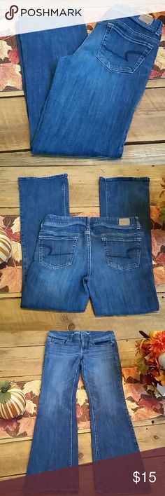 "AMERICAN EAGLE ORIGINAL BOOT STRETCH JEANS SIZE 8 EUC. Waist= 15"" across. Inseam = 31"" American Eagle Outfitters Jeans Boot Cut"