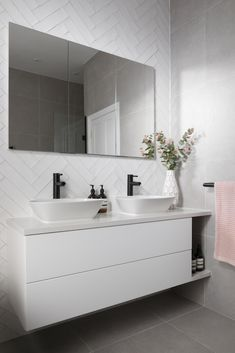 Elegant and modern, this dual vanity unit is styled with wall mounted storage and a seamless mirror. Bathroom Vanity Units, Bathroom Mirror Cabinet, Wall Hung Vanity, White Vanity Bathroom, Mirror Cabinets, Modern Bathroom Vanities, Modern Bathroom Cabinets, Cabinet Doors, Lily Pebbles