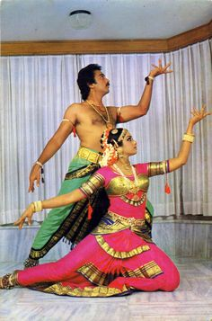 Kamala Hassan and Sri devi dancing Folk Dance, Dance Art, Hindu Rituals, Indian Classical Dance, Dance Images, Country Dance, Dance Poses, Portraits, Ballet