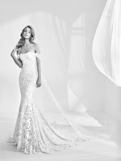 Mermaid style wedding dress with gemstones - Rani