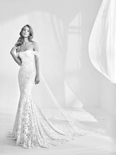 Mermaid style wedding dress with gemstones - Rani