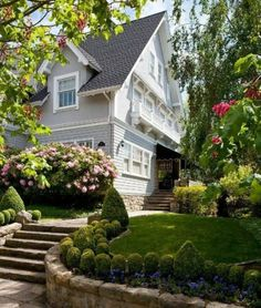 Front yard landscape design is an essential part of creating the elegance of your home. Today, we will give you some front yard landscape design ideas. Beautiful Gardens, Beautiful Homes, Landscape Design, Garden Design, Landscape Curbing, Front Yard Landscaping, Landscaping Ideas, Backyard Ideas, Garden Inspiration