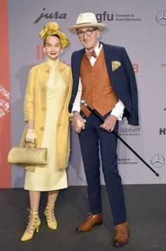 Quirky Fashion, Timeless Fashion, Mens Fashion, Divas, Stylish Couple, Advanced Style, Fashion Couple, Aging Gracefully, Timeless Classic
