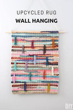 Learn how to upcycle a rug into a wall hanging. An upcycled rug wall hanging is very is to make. It& a great way to display a beautiful rug on a wall. Diy Hanging Planter, Yarn Wall Hanging, Upcycled Home Decor, Diy Home Decor, Cool Diy Projects, Art Projects, Art Mural, Diy Home Improvement, Diy Wall Art