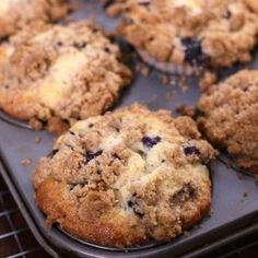 Bakery Style Blueberry Muffins with Crumb Topping Recipe - ZagLeft Bakery Style Blueberry Muffins with Crumb Topping – ZagLeft Blueberry Crumble Muffins, Blue Berry Muffins, Blueberry Crisp, Blueberry Desserts, Baking Desserts, Health Desserts, Crumb Topping Recipe, Crumble Topping, Muffin Recipes
