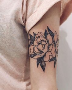 We have compiled 90 tattoo ideas for girls - Tattoos € . - We have compiled 90 tattoo ideas for girls – Tattoos are a great way to express yourself through - Tattoo Girls, Cute Girl Tattoos, Little Tattoos, Mini Tattoos, Leg Tattoos, Body Art Tattoos, Sleeve Tattoos, Cool Tattoos, Bicep Tattoo Women