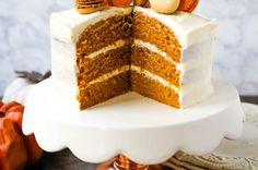 Pumpkin Cake with Cream Cheese FrostingMoist Pumpkin Spiced Cake with a Sweet Cream Cheese Frosting. The best Fall pumpkin layered cake recipe! Pumpkin Layer Cake Recipe, Pumpkin Cake Recipes, Pumpkin Spice Cake, Pumpkin Dessert, Pumkin Cake, Fall Cake Recipes, Cheese Pumpkin, Pumpkin Baby, Spice Cake Recipes