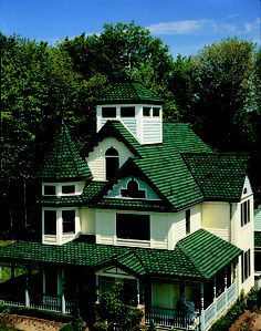 Like the peaks of mighty evergreens, Carriage House in Sherwood Forest creates a landscape of timeless, natural architecture. CertainTeed in a lovely shade of green. Certainteed Shingles, Roofing Shingles, Natural Architecture, Shingle Colors, Wooden Terrace, Residential Roofing, Sherwood Forest, Roof Plan, Victorian Homes