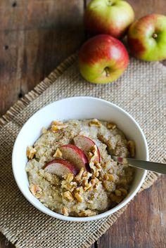 Omena-kaneli kvinoapuuro Quinoa Porridge, Base Foods, Vegan Breakfast, Cinnamon Apples, Plant Based Recipes, Smoothie, Vegetarian Recipes, Oatmeal, Healthy Living