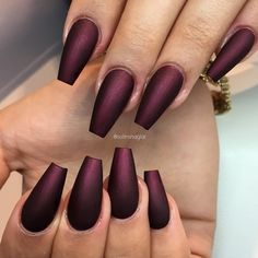"""""Black Cherry"" i matt från #lillynails"" More"
