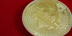 Experts think bitcoin's tech is the future of finance Even if bitcoin fades into obscurity finance experts believe that the technology behind it will live on and even change how financial services work. According to a study conducted by Swiss non-profit W David Seaman, Global Stock Market, Money Machine, What Is Bitcoin Mining, Stock Broker, Coin Values, Ubs, Crypto Currencies, Blockchain