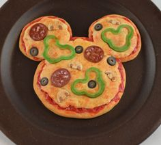Items similar to Disney inspired Mouse Pizza for American Girl Doll on Etsy Doll Crafts, Diy Doll, American Girl Food, American Dolls, Disney Inspired Food, Disney Food, Mickey Mouse Doll, Doll Food, Play Food