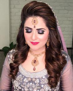 wedding hairstyles indian Beautiful Weddings In 2019 Engagement Hairstyles Indian hairstyles long Pakistani Bridal Hairstyles, Lehenga Hairstyles, Bridal Hairstyle Indian Wedding, Pakistani Bridal Makeup, Bridal Hair Buns, Bridal Hairdo, Indian Hairstyles, Wedding Updo, Bridal Pics