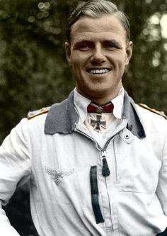 Colorized image of Luftwaffe ace Joachim Müncheberg. Eichenlaubträger, Luftwaffe Day Aces, Luftwaffe Major, Ritterkreuzträger, Schwerternträger