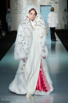 FL hooded lynx fur Chinchilla, Faux Fur Bedding, Long Fur Coat, Fur Coat Fashion, Chibi, Winter Fur Coats, Fox Fur Jacket, Mens Fur, Fur Clothing