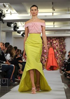 oscar de la renta fashions | The Oscar de la Renta Spring 2015 collection is modeled during Fashion ...