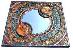 Mosaïque ammonite shell & Peacock miroir de par NikkiEllaWhitlock