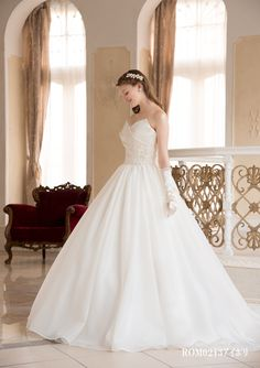 #Wedding 【2015年新作コレクション】キュートなデザインからエレガントデザインのドレスまで品揃えが豊富なドレスショップ「GINZA COUTURE NAOCO クチュールナオコ銀座アネックス」 (ホテル提携ドレスショップ)
