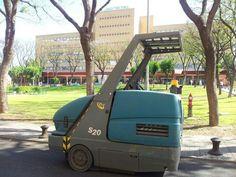 Barredora Tennant S20 en Hospital Virgen del Rocio de Sevilla