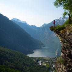 Perfect vantage point. #ananyagoestonorway #visitnorway