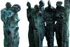Escultura Persones i arbre en Bronze de Lau Feliu Maspons Sculpture People and tree - bronze - by Lau Feliu