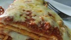 Lasanha de panqueca de carne Chicken Pasta, Pancakes, Breakfast, Ethnic Recipes, Food, Ground Beef, Lasagna, Ethnic Food, Morning Coffee