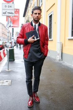 Taan says: His style has a real touch of Italian macho, but somehow it's still sophisticated.I like it