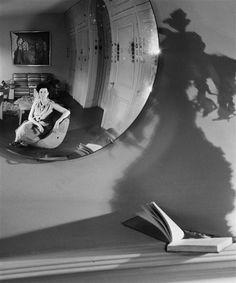 © Andre Kertesz – peggy guggenheim, new york, 1945 Peggy Guggenheim, Andre Kertesz, Budapest, New York City, Folies Bergeres, Chelsea, Juan Les Pins, Brassai, White Mirror
