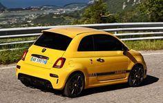 Al volante del Abarth 595 Competizione - Con 180 caballos y una imagen impactante, el... | Marca.com