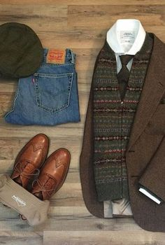 A stylish fall look from with great layering, classic denim, walnut wingtips, a tweed jacket and a pair of our pima cotton over the calf socks in khaki. Stylish Mens Fashion, Timeless Fashion, Fashion Edgy, Sharp Dressed Man, Well Dressed Men, Mens Fall, Mens Winter, Men's Wardrobe, Dress Socks