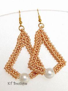 Klárik Tünde Modern Gyöngyékszerek-------------Tünde Klárik Fashion Jewelry: Arany Harang/Golden Bell