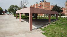 Pink concrete forms seats, steps and climbing walls in these two public parks designed by Mexican architecture firm Productora. Concrete Pathway, Concrete Forms, Beautiful Architecture, Architecture Design, Urban Park, Social Housing, Parking Design, House Built, Pergola
