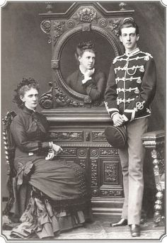 Empress Marie Alexandrovna with her children, Maria and Serge.