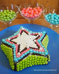 "Star Cake with Sweetworks Candy inspired by the new stunning cake design cookbook ""Cake My Day"" #CakeMyDay #sponsored"