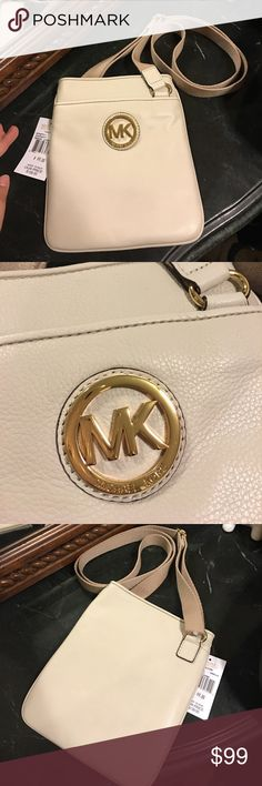 Michael Kors Vanilla Fulton Crossbody New with tags, authentic, smoke and pet free home 🌸 Michael Kors Bags Crossbody Bags